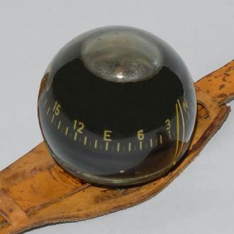 Náramkový kompas vojenské lehké potápěčské soupravy PL-40.