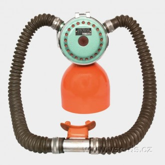 Vintage Doble Hose Scuba regulator AV1. Potápěčská automatika AV1.