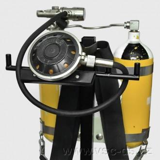 Potápěčský přístroj DELFÍN s automatikou TAJFUN.